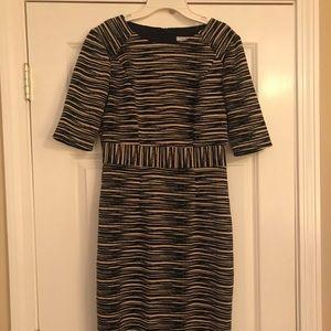 Trina Turk size 4 classic bl&beige back zip dress